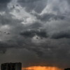 IMGW ostrzega: Burze z gradem w Centrum i na południu kraju; upały na…