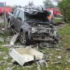 Kierowca z regionu jazdę nissanem zakończył na przyłączu gazowym