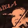 """""""Śpiewa grając na skrzypcach jak by szła skacząc po górach"""". Dorota Kuziela w Światłowni"""