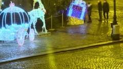 Dewastacja dekoracji świątecznych na Starym Rynku