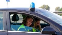 Policjanci kontrolowali, czy kierowcy korzystają z telefonu podczas jazdy samochodem