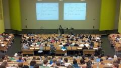 Gorące tematy - Rektor UW: Część zajęć po wakacjach może być kontynuowana…