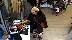 Rozpoznajesz tę kobietę? Ukradła portfel wraz z zawartością