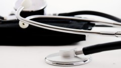 Senat: Koronawirus przyczyną śmierci 138 pensjonariuszy w domach opieki społecznej