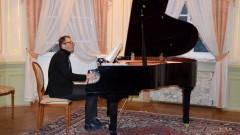 Tomasz Gumiela - przeboje muzyki klasycznej, czyli muzyczny salon w Pałacu Nowym