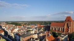 Toruń: Osiem osób zakażonych koronawirusem z ogniska w Urzędzie Marszałkowskim