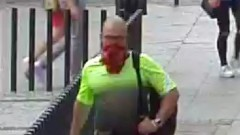 Gorące tematy - Uderzył kobietę w centrum miasta. Rozpoznajesz go? [FOTO]