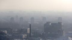 Gorące tematy - Zła jakość powietrza w wielu miejscach w kraju; w Warszawie,…