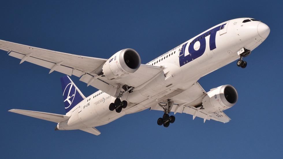 Branża lotnicza apeluje do premiera o zniesienie ograniczenia liczby miejsc w samolotach