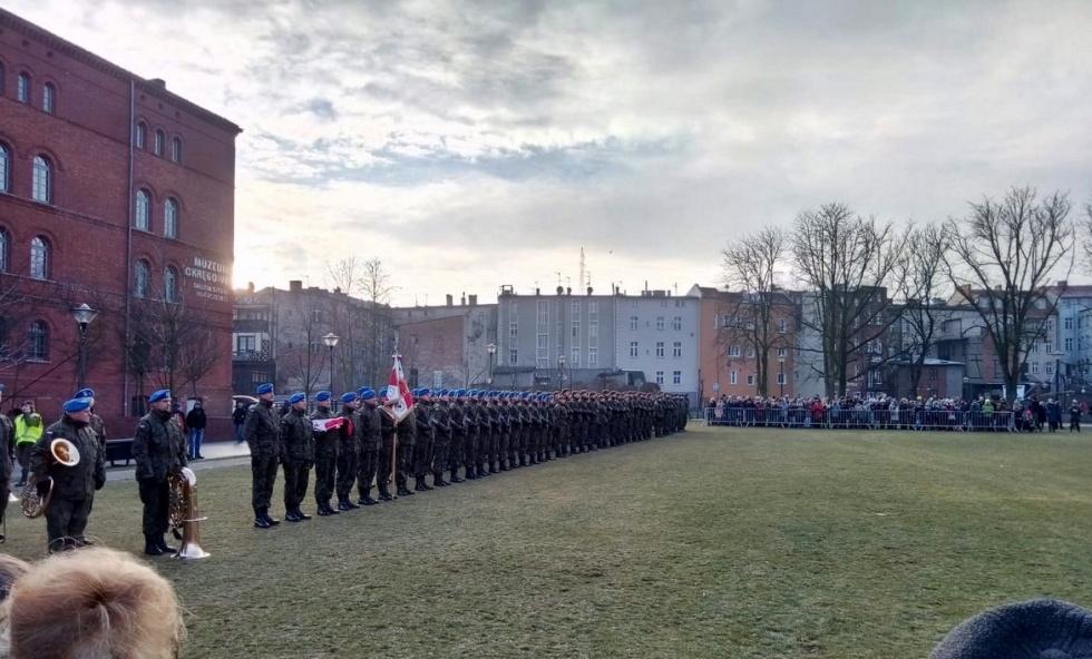 Bydgoska policja włączyła się w uroczystość przysięgi wojskowej żołnierzy obrony terytorialnej
