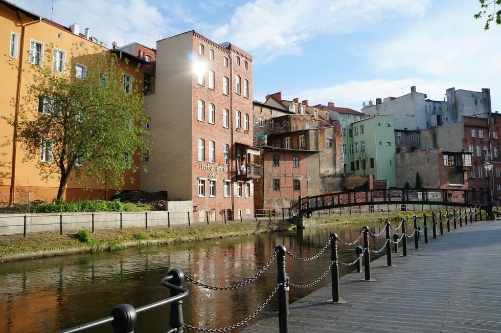 Bydgoszcz w czerwonej strefie od soboty. Oprócz tego 152 powiaty, w tym 11 miast wojewódzkich