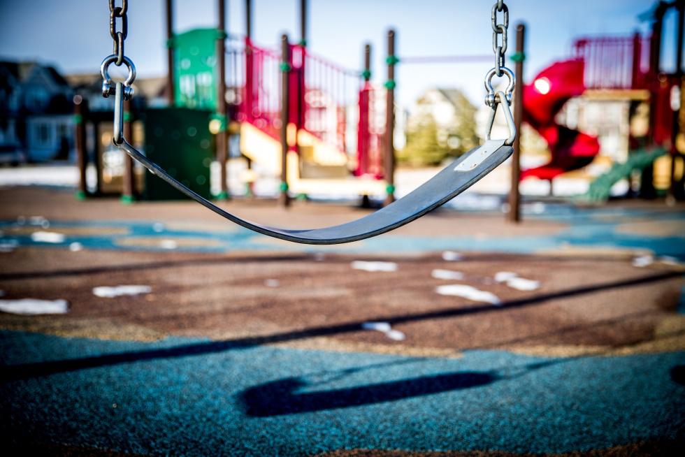 Co charakteryzuje bezpieczny plac zabaw?