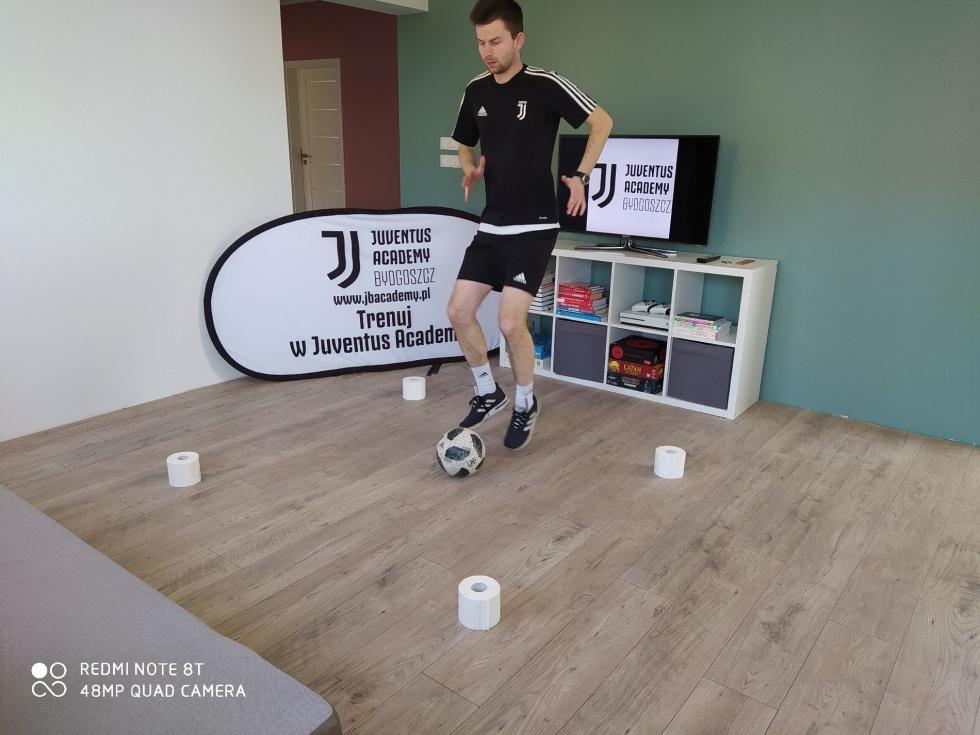 Ćwicz on-line z Juventus Academy! Rozmowa z trenerem Łukaszem Figurskim