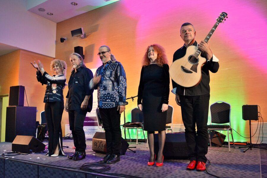 Czerwony Tulipan i inni wyjątkowi artyści na scenie w Światłowni