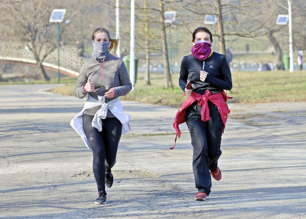 Koronawirus komplikuje sportowe rozgrywki w Polsce