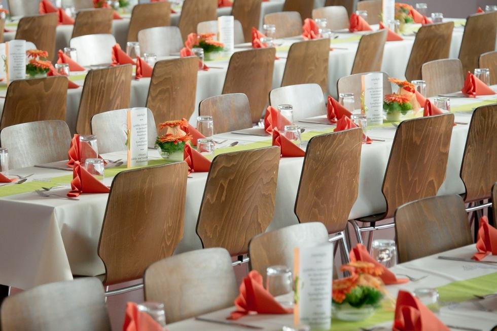 Kraska: Rozważamy kontrole przestrzegania limitu 150 osób na weselach