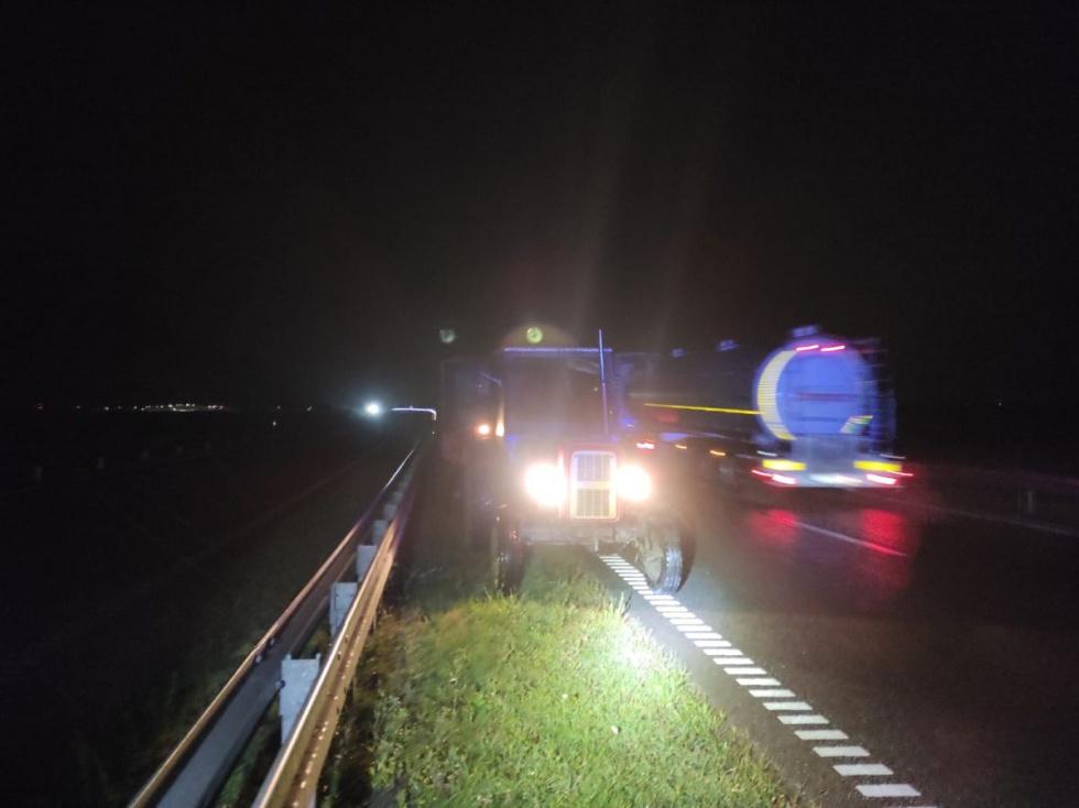 Kujawsko-pomorskie: Ciągnikiem na obwodnicy pod prąd