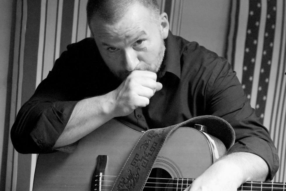 Maciej Stobrawa i jego gitarowe brzmienie w Światłowni