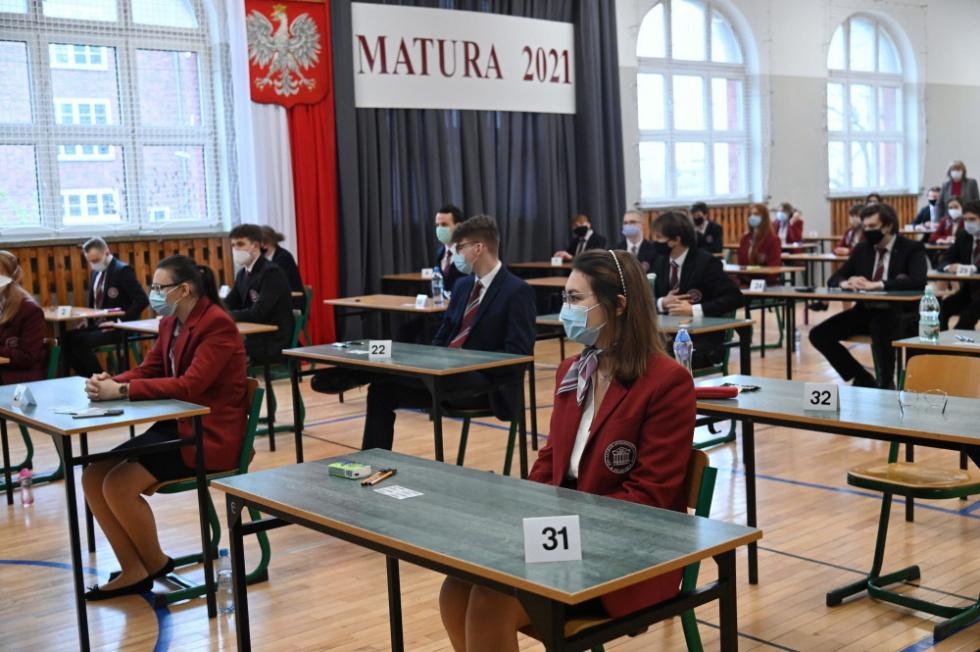MEiN: Egzamin z polskiego przebiegł spokojnie, został przeprowadzony w…