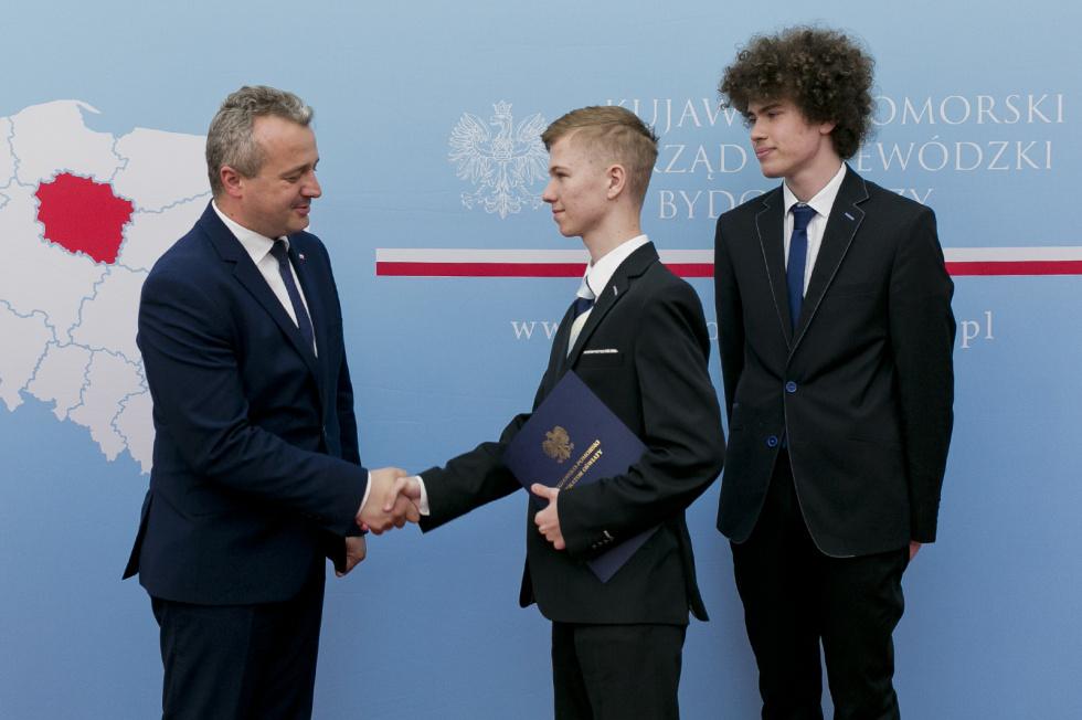 Młodzi parlamentarzyści z kujawsko-pomorskiego. Wręczono mandaty