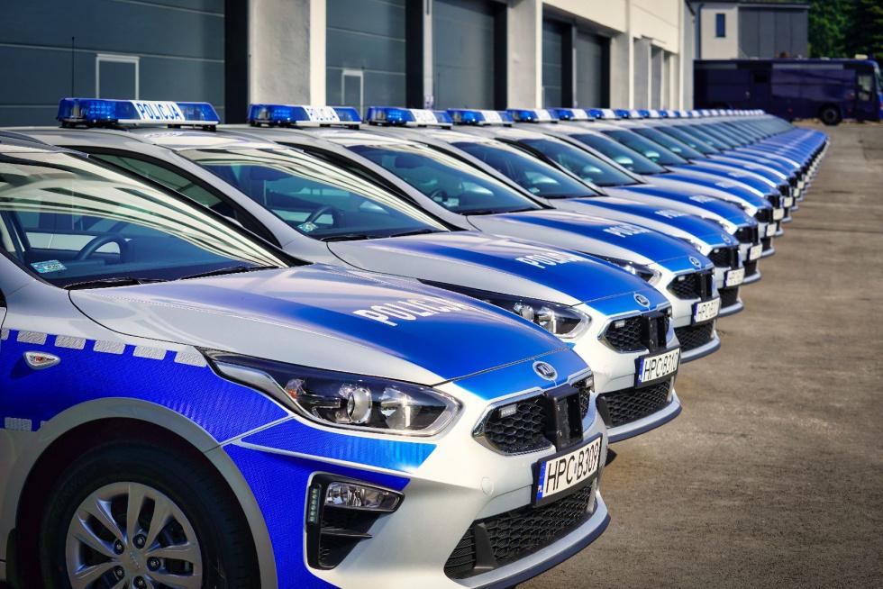 Nowe samochody marki kia ceed dla kujawsko-pomorskiej policji