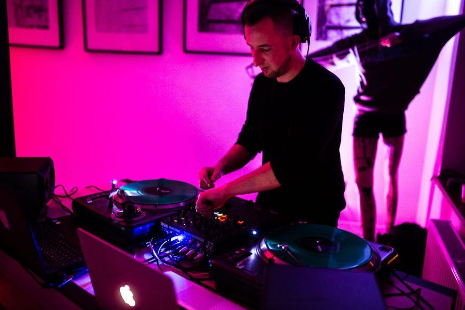 O muzyce elektronicznej i nie tylko. Rozmowa z Mateuszem Dudzińskim