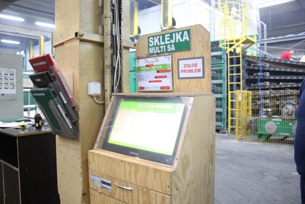 Pierwsza w Polsce, 6-półkowa suszarnia do fornirów została uruchomiona w Bydgoskich Zakładach Sklejek