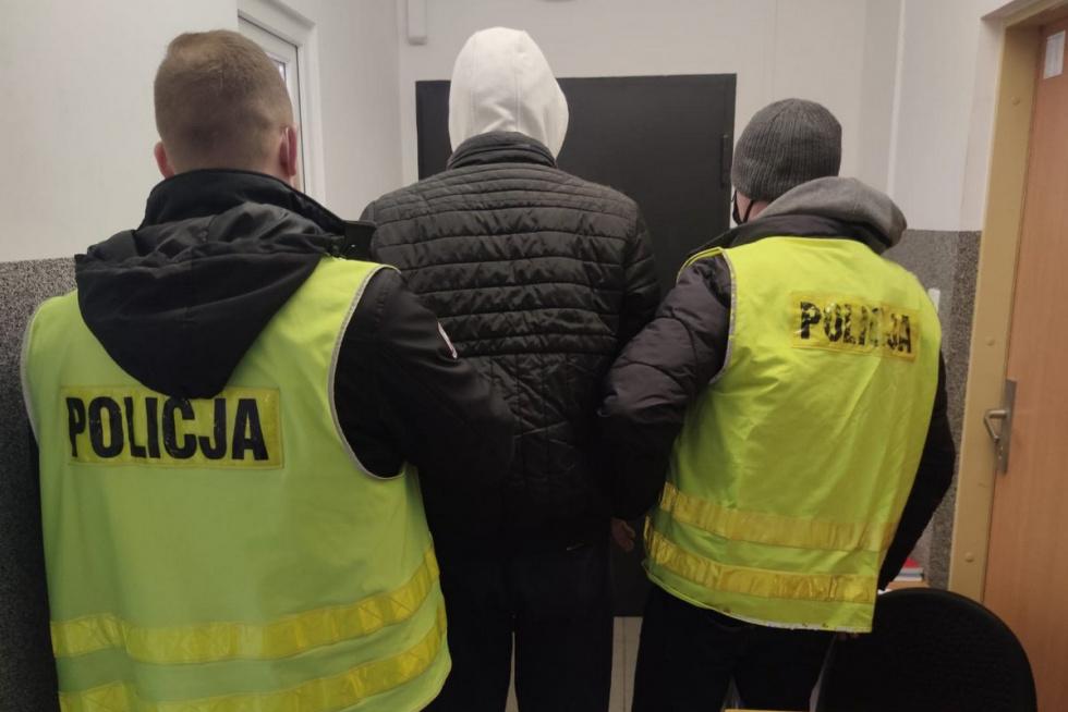 Policjant z bydgoskiej komendy zatrzymał w czasie wolnym złodzieja samochodu