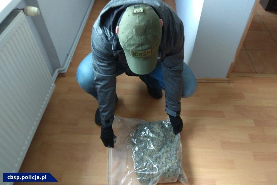 Ponad 80 kg marihuany przewoził w dostawczaku