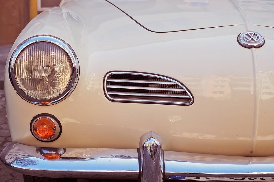 Posiadasz ponad 30-letnie auto? Weź udział w zlocie Bydgoskie Klasyki Nocą