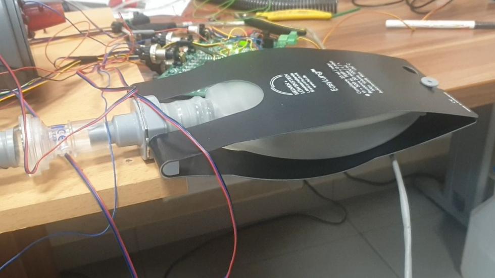 Pierwsze oddechy respiratora UCM 01