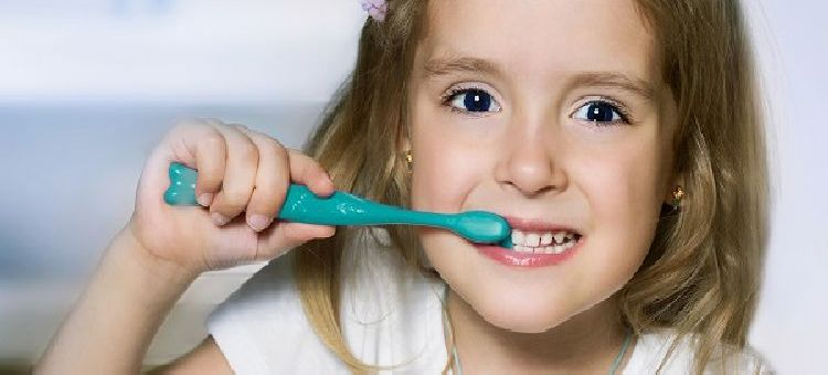 """Prawidłowa higiena """"mleczaków"""" a zdrowie zębów stałych"""