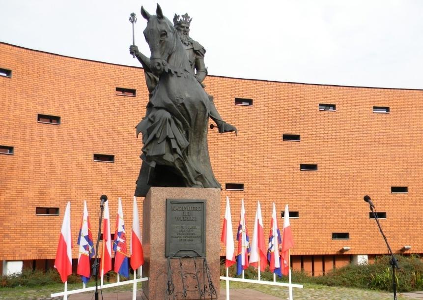 Rada Miasta zadecyduje czy Pomnik Kazimierza Wielkiego trafi na Stary Rynek