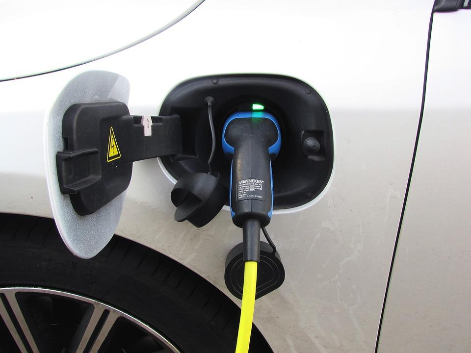Samochód elektryczny naładujesz w Zielonych Arkadach