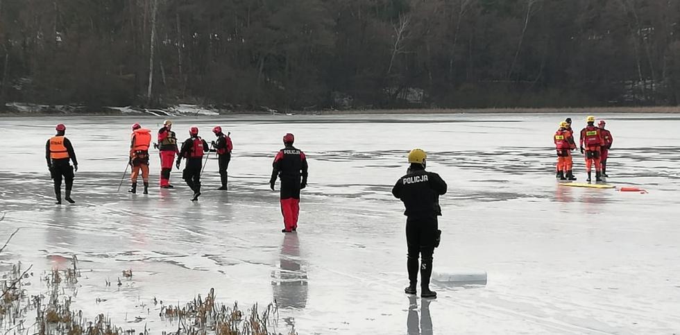 Służby odpowiedzialne za bezpieczeństwo na wodzie w czasie zimy przeszły szkolenie
