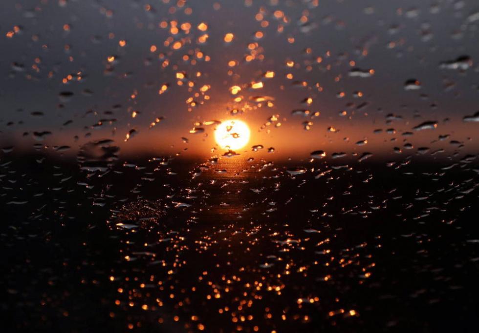 Synoptyk IMGW: Wtorek ciepły i z zanikającymi opadami deszczu