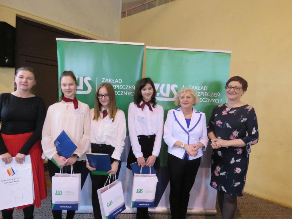 Uczennice z I LO w Bydgoszczy powalczą o finał