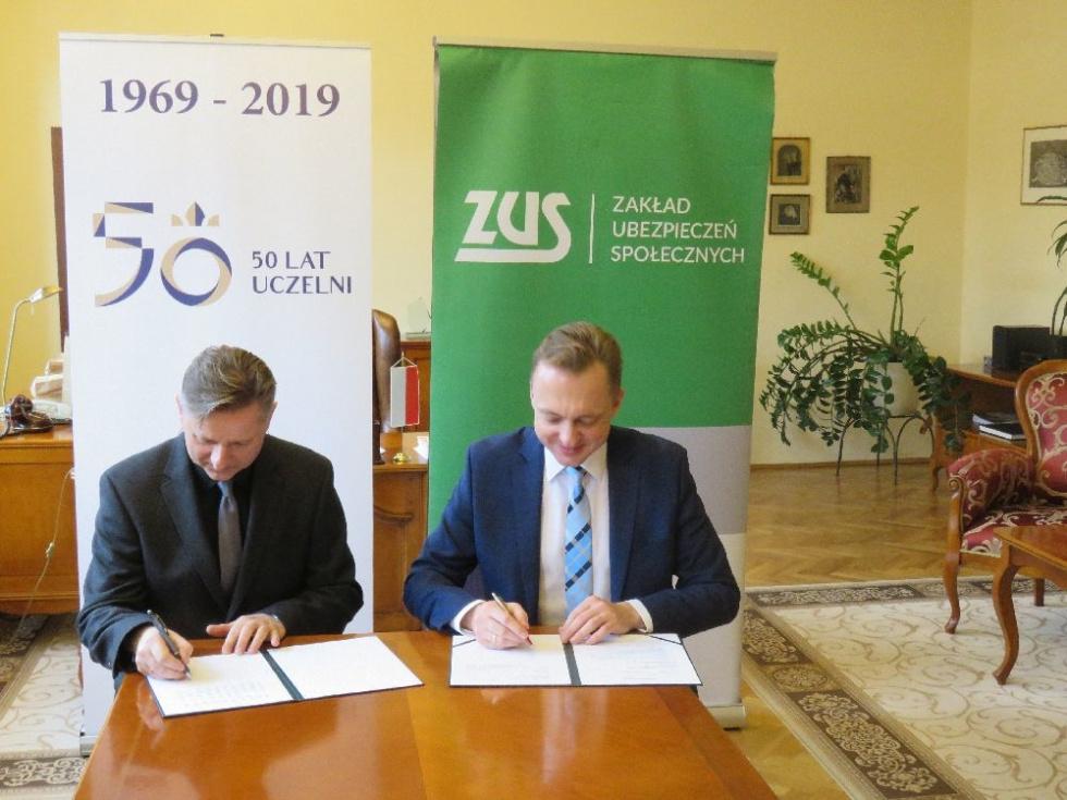 Uniwersytet Kazimierza Wielkiego będzie współpracować z ZUS-em. Podpisano umowę