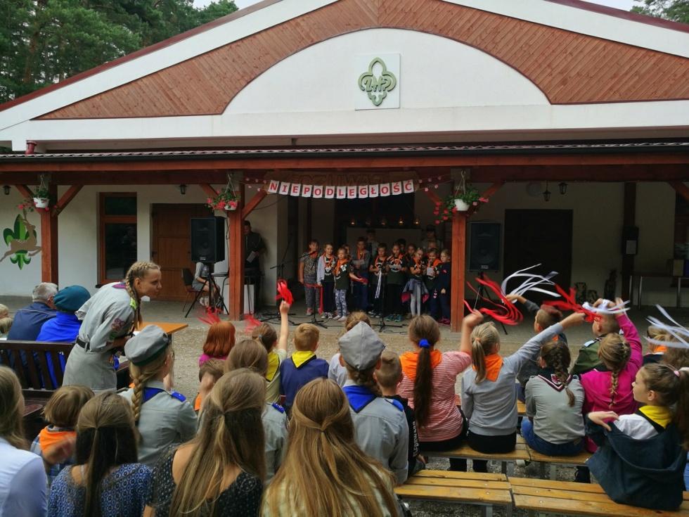 Wyśpiewali pieśni patriotyczno-historyczne z okazji obchodów 100-lecia odzyskania przez Polskę Niepodległości