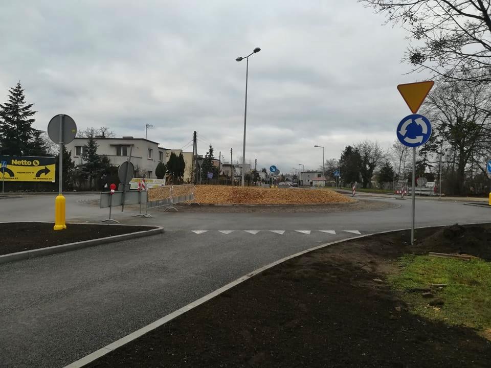 Zakończono budowę ronda na Osiedlu Błonie