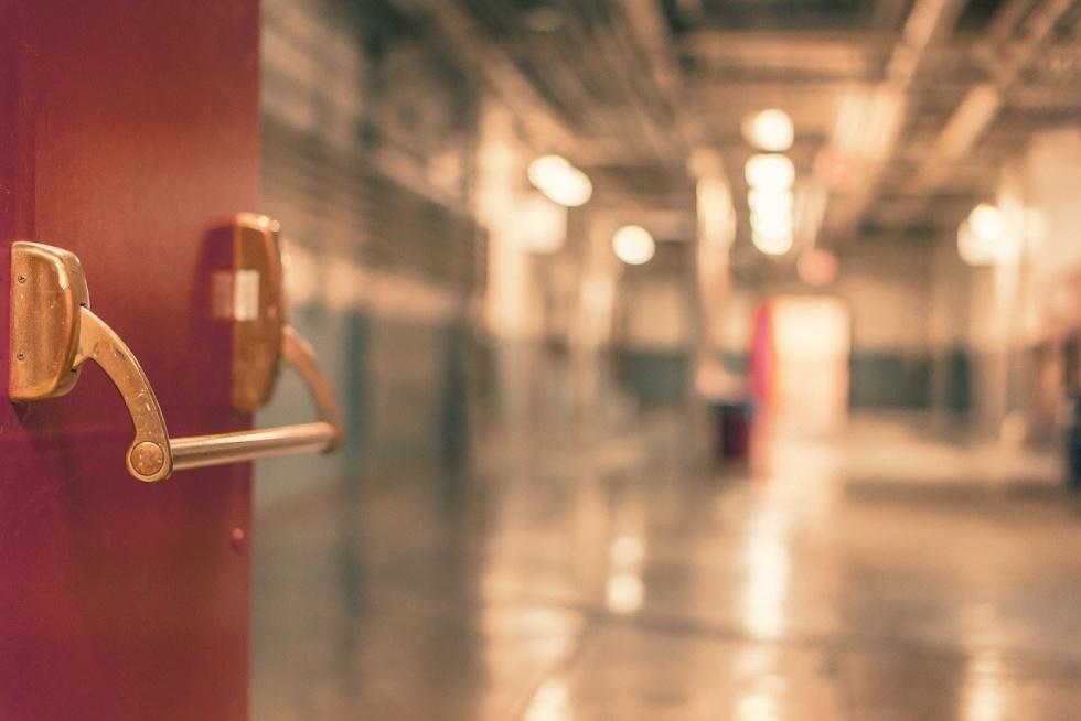 Zmarła jedna osoba z 32 osób zakażonych koronawirusem w Centrum Pulmonologii