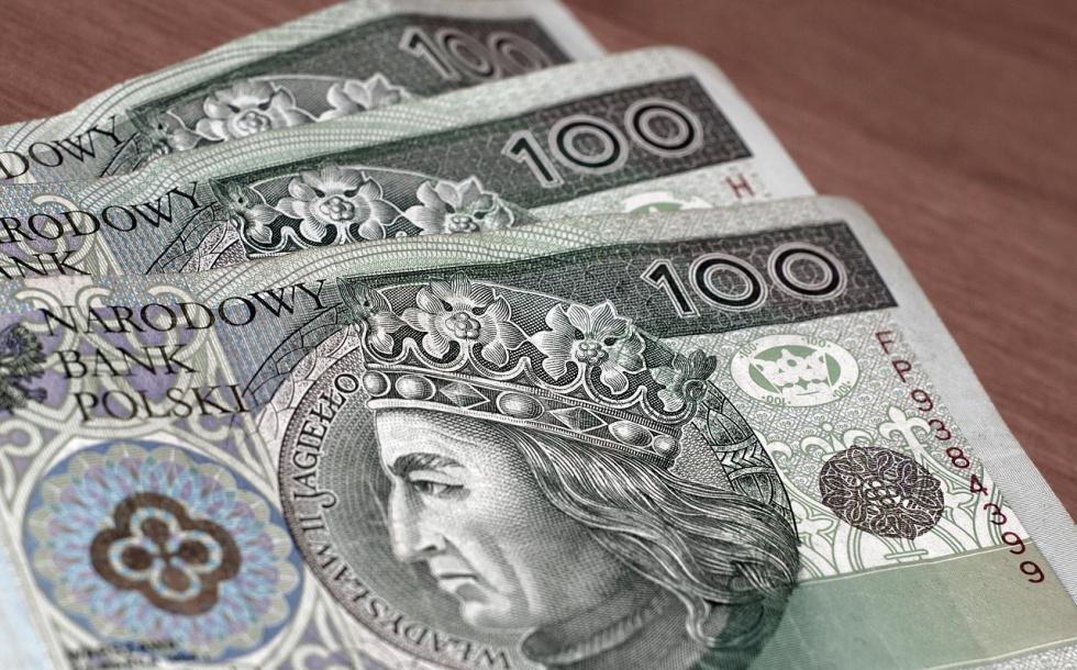 Znaleziono pieniądze w bydgoskim autobusie. Policjanci poszukują właściciela