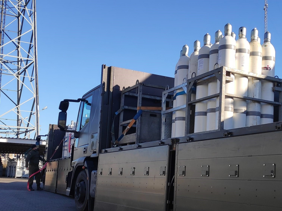 Żołnierze zaopatrują szpitale z kujawsko-pomorskiego w tlen