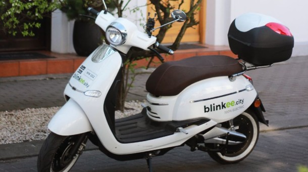 Bydgoszcz wsiada na ekologiczne skutery – blinkee.city dostępne w mieście już od 1 maja!