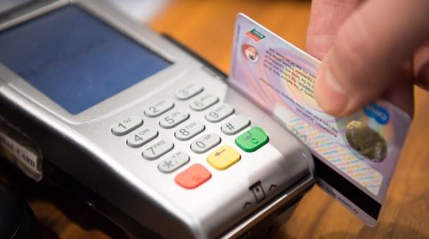 Bydgoszczanin posługiwał się cudzą kartą płatniczą. Został zatrzymany